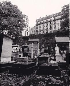 Paris, Cimetière de Montmartre, frühe 1980er. OM1n, 28mm Tokina.